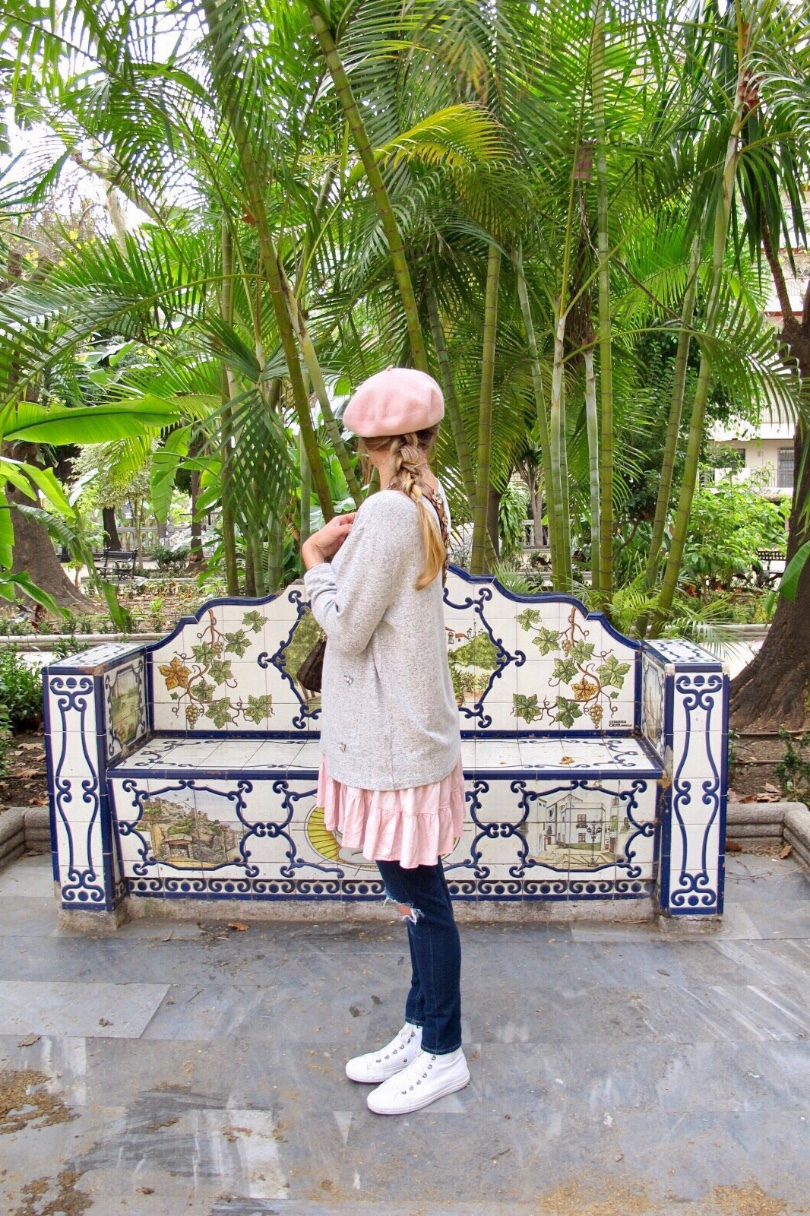 Tropical Vibes. Fashion and Style Blog Girl from Heartfelt Hunt.