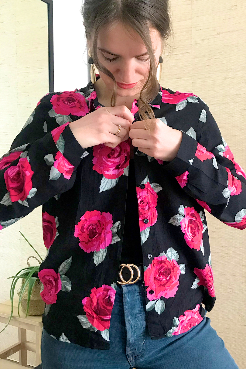 Blouse Fashion Hack. Fashion and Style Blog Girl from Heartfelt Hunt. Girl with blond ponytail and pink scrunchie wearing a floral blouse, earrings, mom jeans and belt.