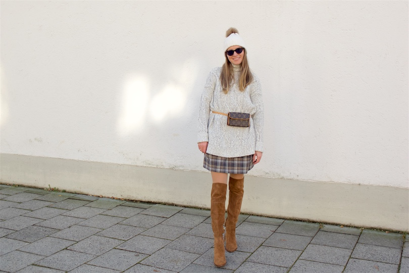 Check Lover. Fashion Blogger Girl by Style Blog Heartfelt Hunt. Girl with blond hair wearing a checked dress, chunky sweater, slim sunglasses, beanie with pompom, vintage Louis Vuitton belt bag and over the knee boots.