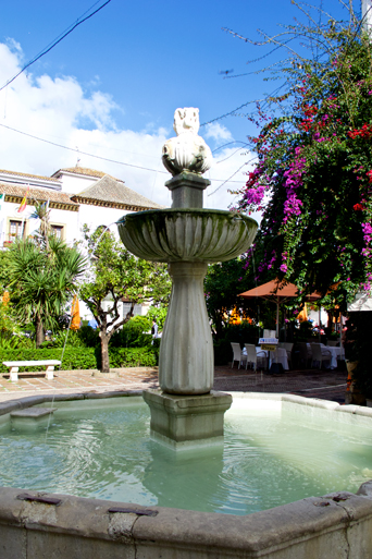 Fountain in the beautiful old town of Marbella