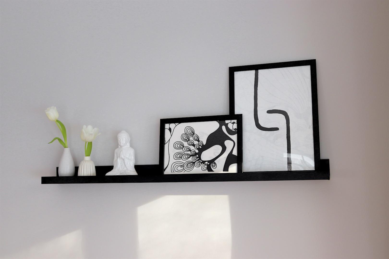 Home Decor DIYs. Fashion Blogger Girl by Style Blog Heartfelt Hunt. Girl showing her home decor diys.