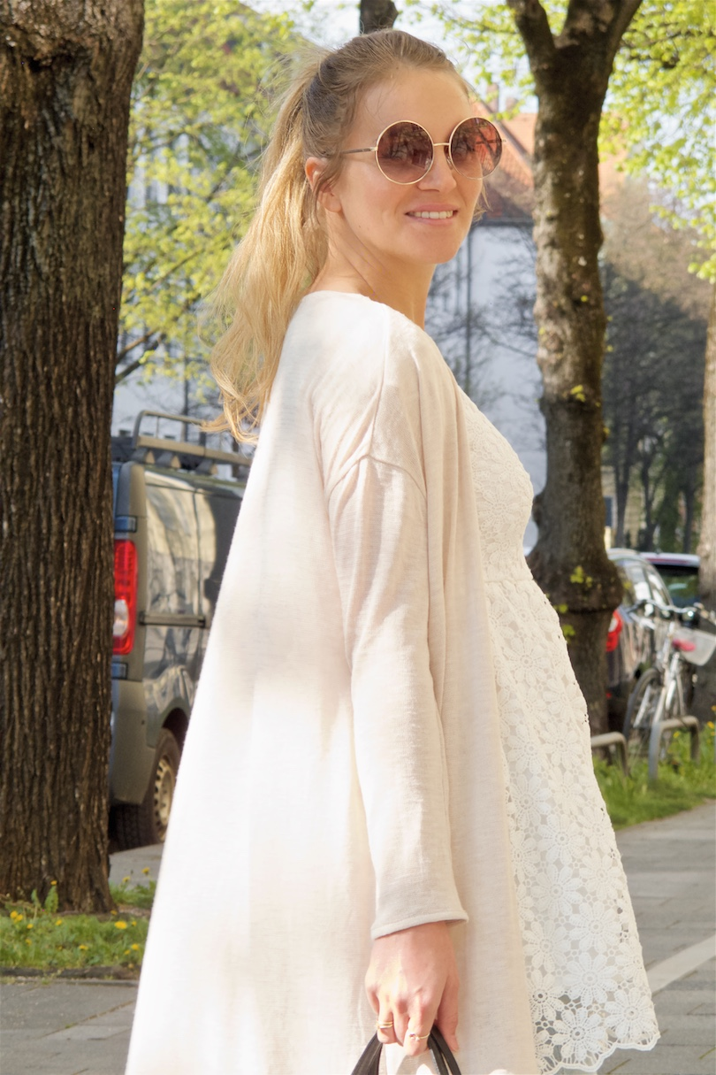 Lace & Layers. Fashion Blogger Girl by Style Blog Heartfelt Hunt. Girl with blond high ponytail wearing a lace dress, long cardigan, cropped flare jeans, MCM vintage bag and shoes with platform heels.