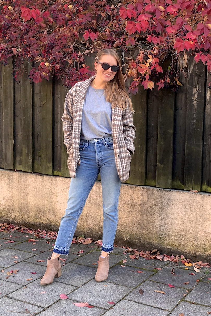 Plaid Jacket. Fashion and Style Blog Girl from Heartfelt Hunt. Girl with blonde, long hair wearing a plaid jacket, gray t-shirt, mom jeans, sunglasses and cowboy boots.