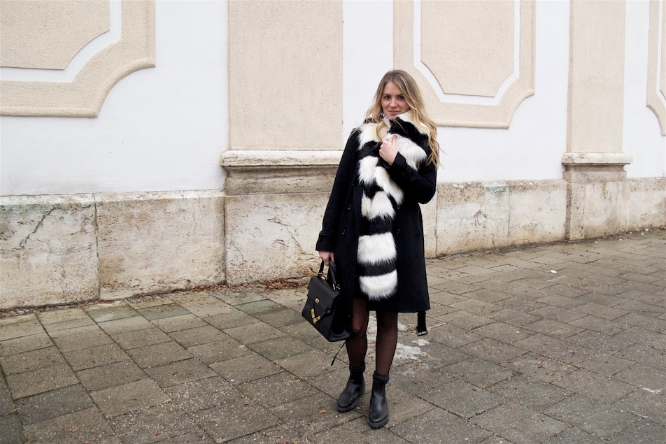 Striped Faux Fur. Fashion Blogger Girl by Style Blog Heartfelt Hunt. Girl with blond, loose curls wearing a striped faux fur scarf, wool coat, sweater, skirt, vintage MCM bag and chelsea boots.