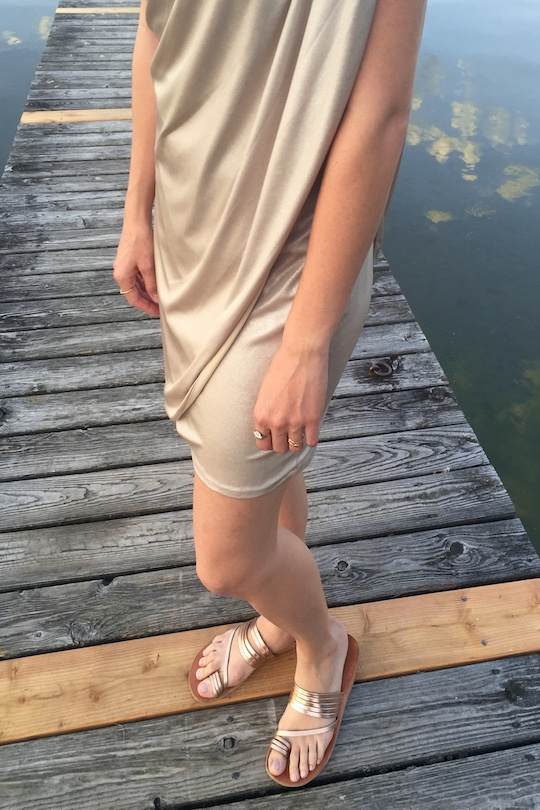 Wedding Season. Fashion Blogger Girl by Style Blog Heartfelt Hunt. Girl with blond braid wearing a grecian dress, sandals, arrow ring and heart ring.