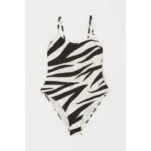Zebra Print Trend. Fashion and Style Blog Girl from Heartfelt Hunt showing a spring look with zebra print trend.